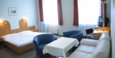 hotel apartments pension schönbrunn vienna spacious double room to green inner courtyard